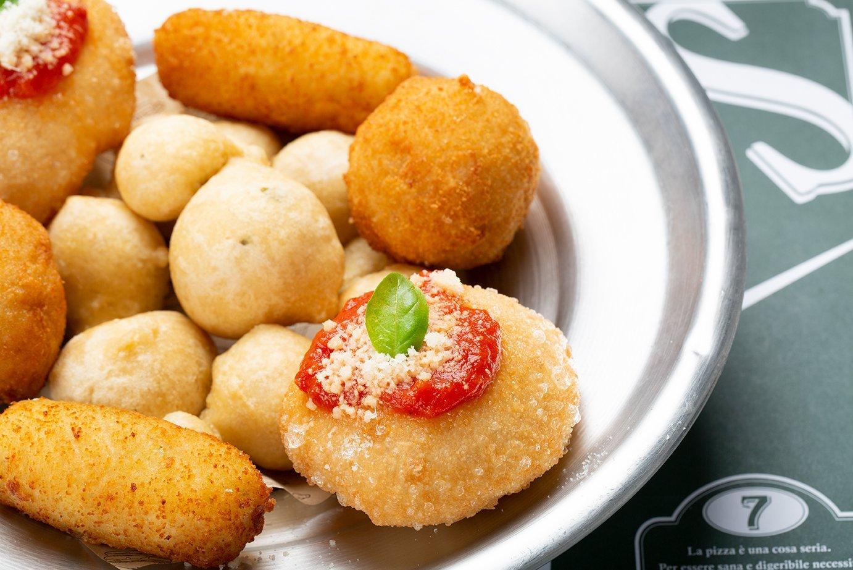 Tipica frittura partenopea di Capuano's